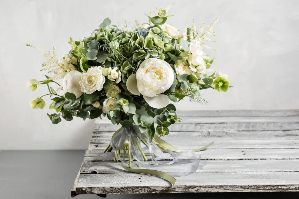 greenery peonies lisianthus vintage bridal bouquet_