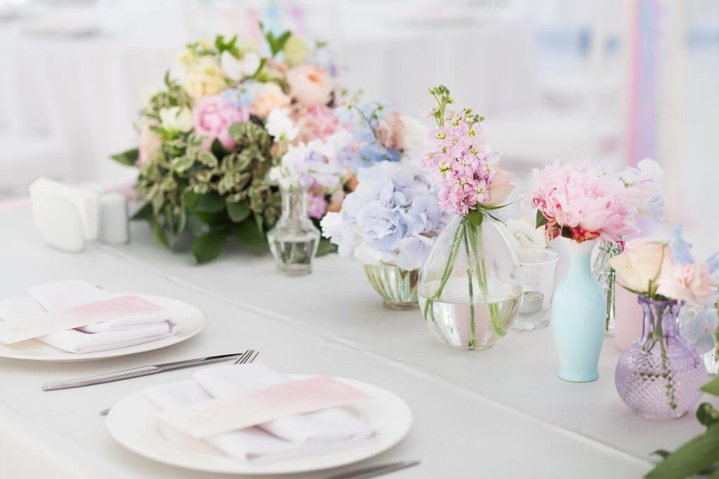 pastel flowers table decoration