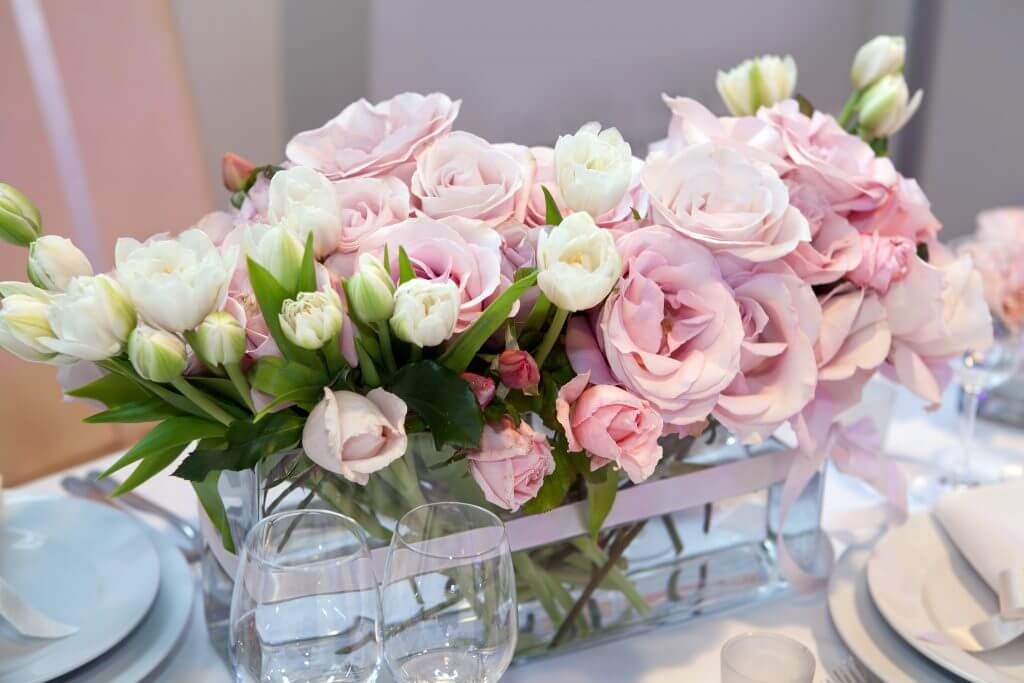 pink vase roses centerpiece