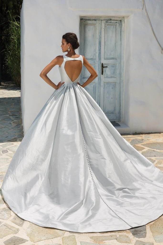 The Complete Guide To Wedding Gown Fabrics - Make Happy Memories 9ff796744e2f