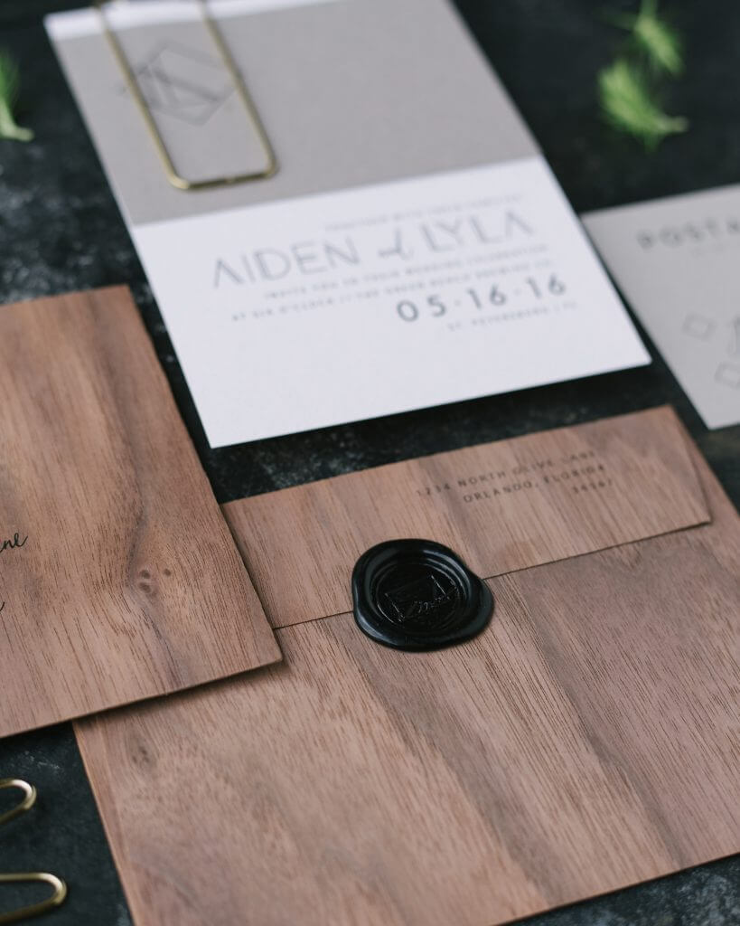 Eleven Note Minimalist Invitation trend