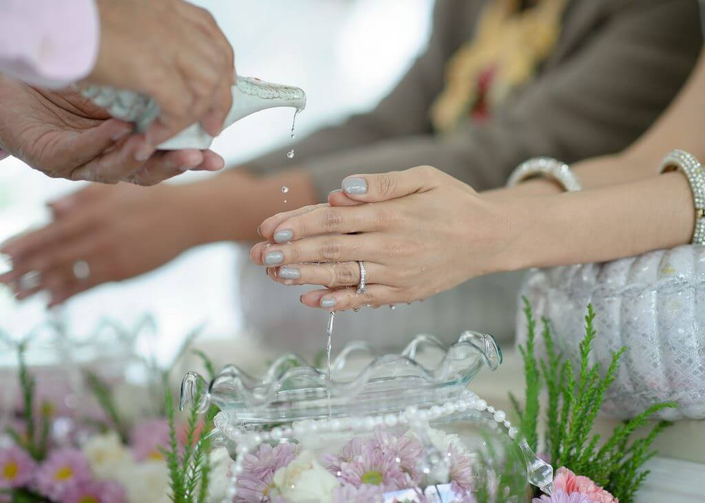Thai water wedding ceremony tradition