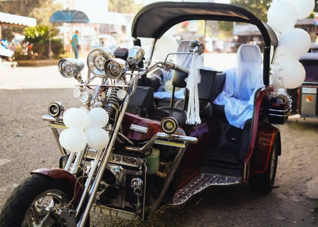 Motorbike wedding transportation idea