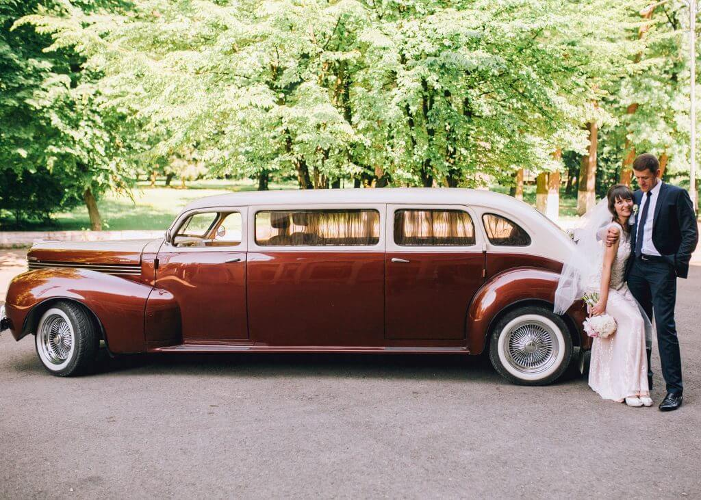 limo wedding transportation idea
