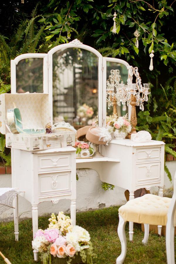 Make Happy Memories Wedding Corners Vanity
