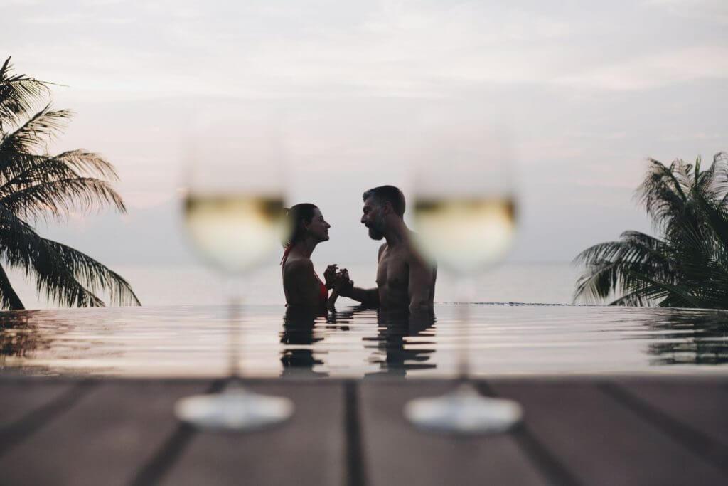Make Happy Memories Engaged in 2019 Honeymoon